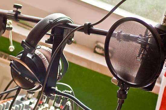 SC400 mit Popschutz, Kopfhörer und Mixer