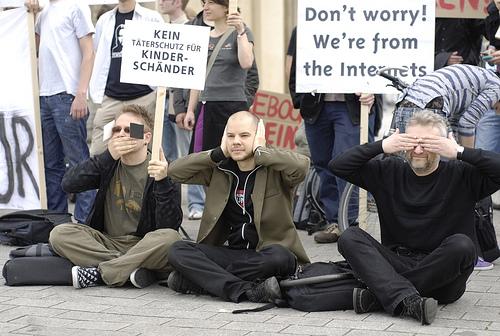 Sperrwache am Brandenburger Tor