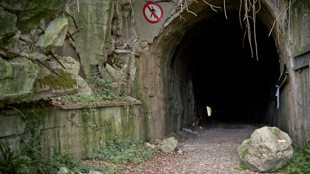 Tunnel, baufällig