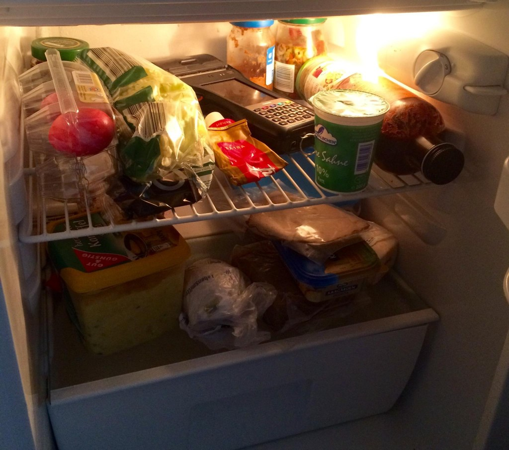 Gerät in Kühlschrank